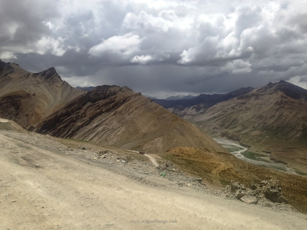 Downhill at Gata loops, Manali Leh Highway