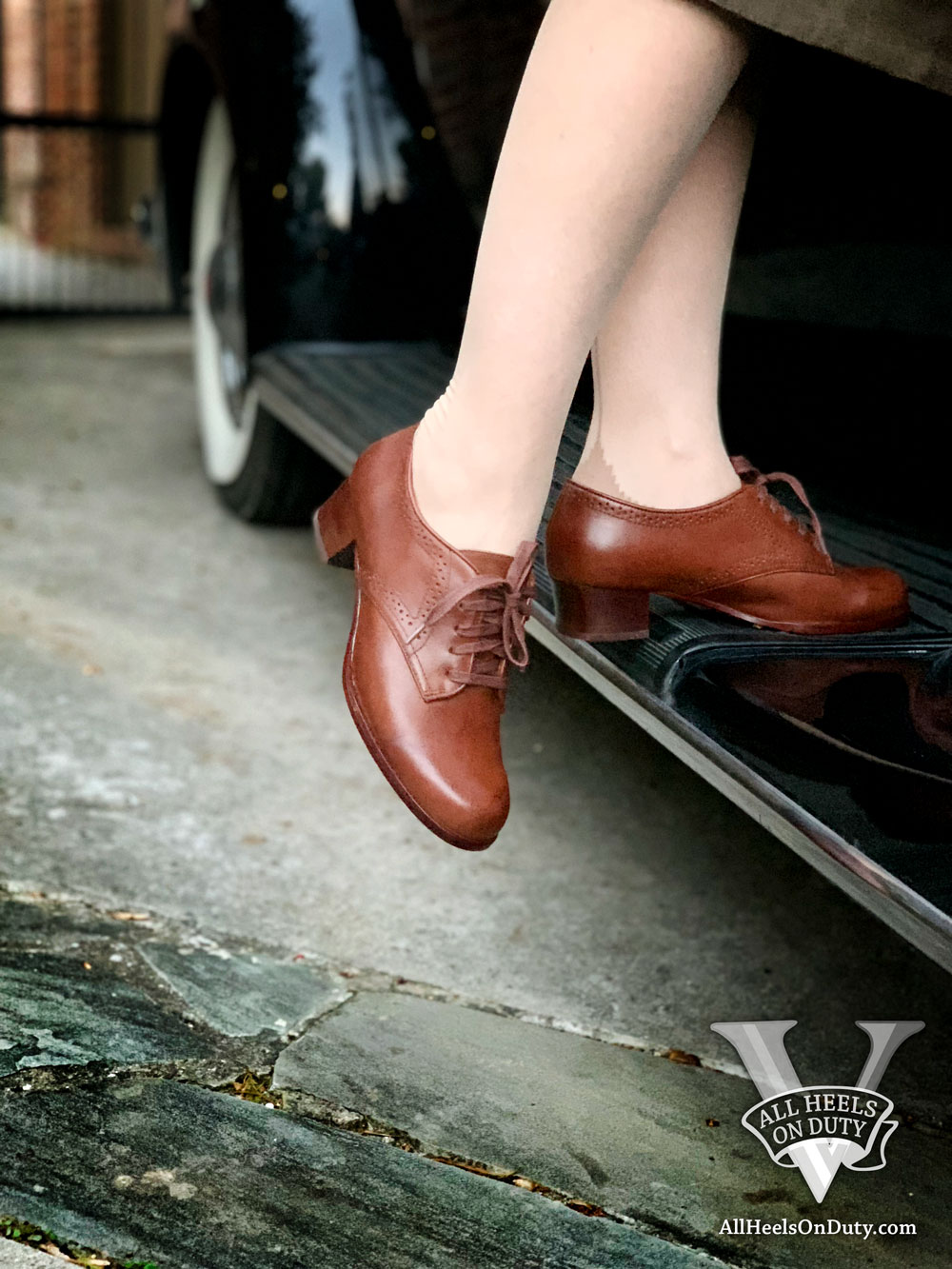 1940s Reproduction Oxford Shoes and Bow