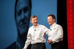 (de gauche à droite) Bernard Charlès, directeur général de Dassault Systèmes et Gian Paolo Bassi, directeur général de l'activité SOLIDWORKS © SOLIDWORKS