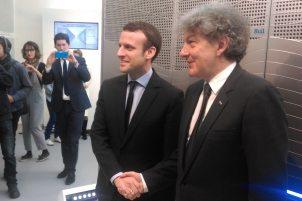 Thierry Breton, PDG d'Atos et Emmanuel Macron, ministre de l'Economie devant Bull Sequana. A puissance équivalente : un encombrement et une consommation divisés par 10 et une masse divisée par 2. ©Alliancy