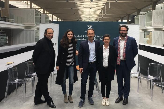 Mikkel Svane, à droite, lors de l'annonce de son entrée à Station F au printemps dernier, en présence de Xavier Niel et Roxane Varza (Station F) ; Nicolas Raspal et Rachel Delacour (les cofondateurs de BIME Analytics). © Station F