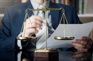Les solutions de Case Law Analytics ne remplacent pas les juristes, mais leur permet de prendre des décisions différemment.  ©Fotolia