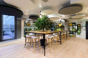 Aménagement des nouveaux locaux situés au siège de Nexity, au sein de l'immeuble Solstys à Paris, à deux pas de la gare Saint-Lazare.