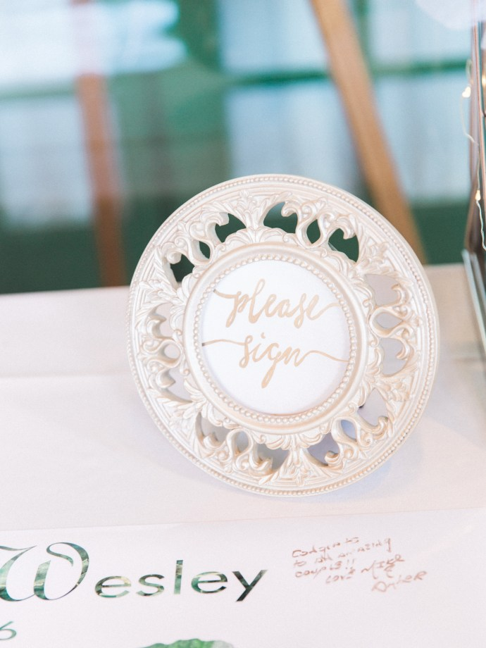alliejenningsphotography-hamilton-wedding-photographer-fine-art-royal-botanical-gardens-wedding-60