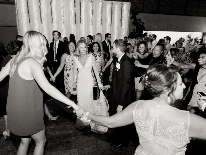 alliejenningsphotography-hamilton-wedding-photographer-fine-art-royal-botanical-gardens-wedding-62