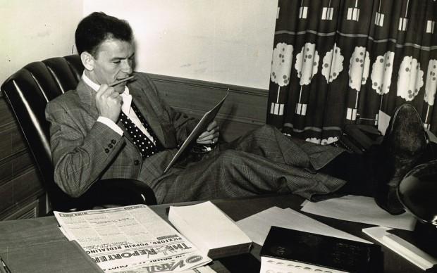 Frank-Sinatra-at-desk-c.-1950-620x388