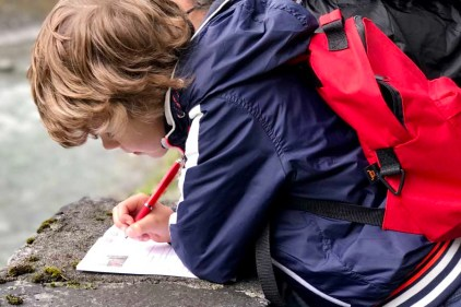 5 activiteiten met kinderen bij slecht weer in Montafon - de Muntafuner Gagla weg- AllinMam.com