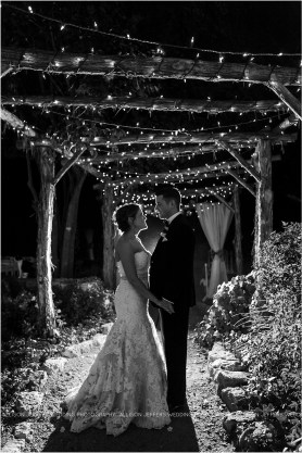 cranberry-fall-wedding-at-hoffman-haus-in-fredericksburg-texas-wedding-photos_0033