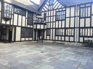 Courtyard at Agecroft Hall