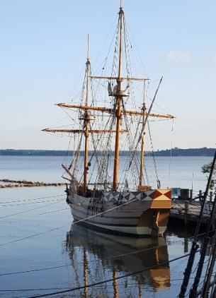 Photo of ship Susan Constant at sunset