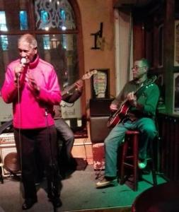 MC Joe Schaffers & Guitarist Alvin Dyers at O'Driscolls