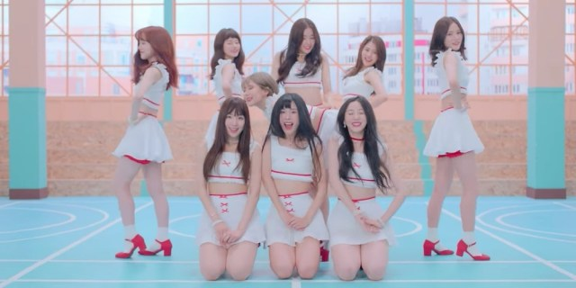 Znalezione obrazy dla zapytania https://www.allkpop.com/article/2018/08/adorable-rookie-girl-group-nature-makes-their-official-debut-with-full-allegro-cantabile-mv