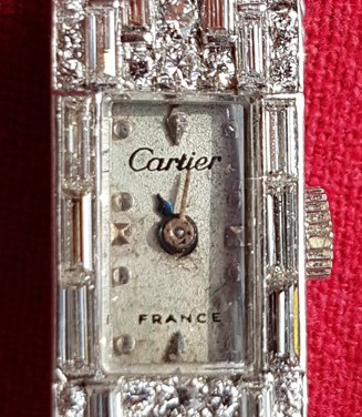 Cartier art deco Platinum wristwatch with 164 diamonds
