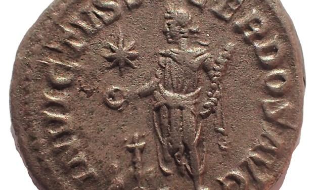 Elagabalus 218-222 AD 19mm 3gm Silver Denarius struck at Rome