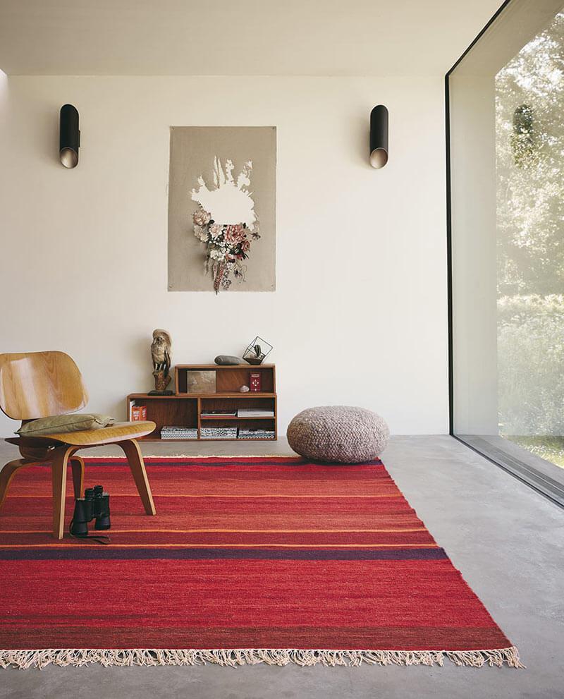 tapis rouge en laine