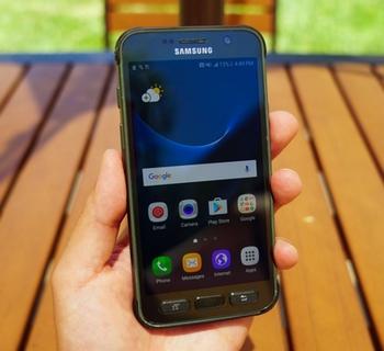 Samsung-Galaxy-S7-Active-une