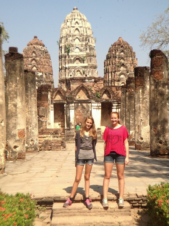 Calla and her sister visit a Thai temple
