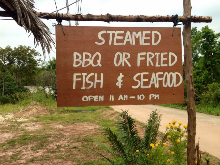 A restaurant in Koh Jum offers fresh seafood.