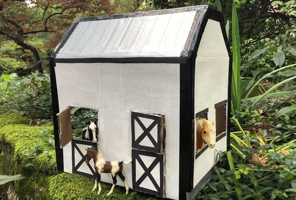 Build a Horse Barn Out of a Box Craft