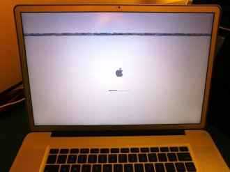 MacBook Pro 17 Artefatti