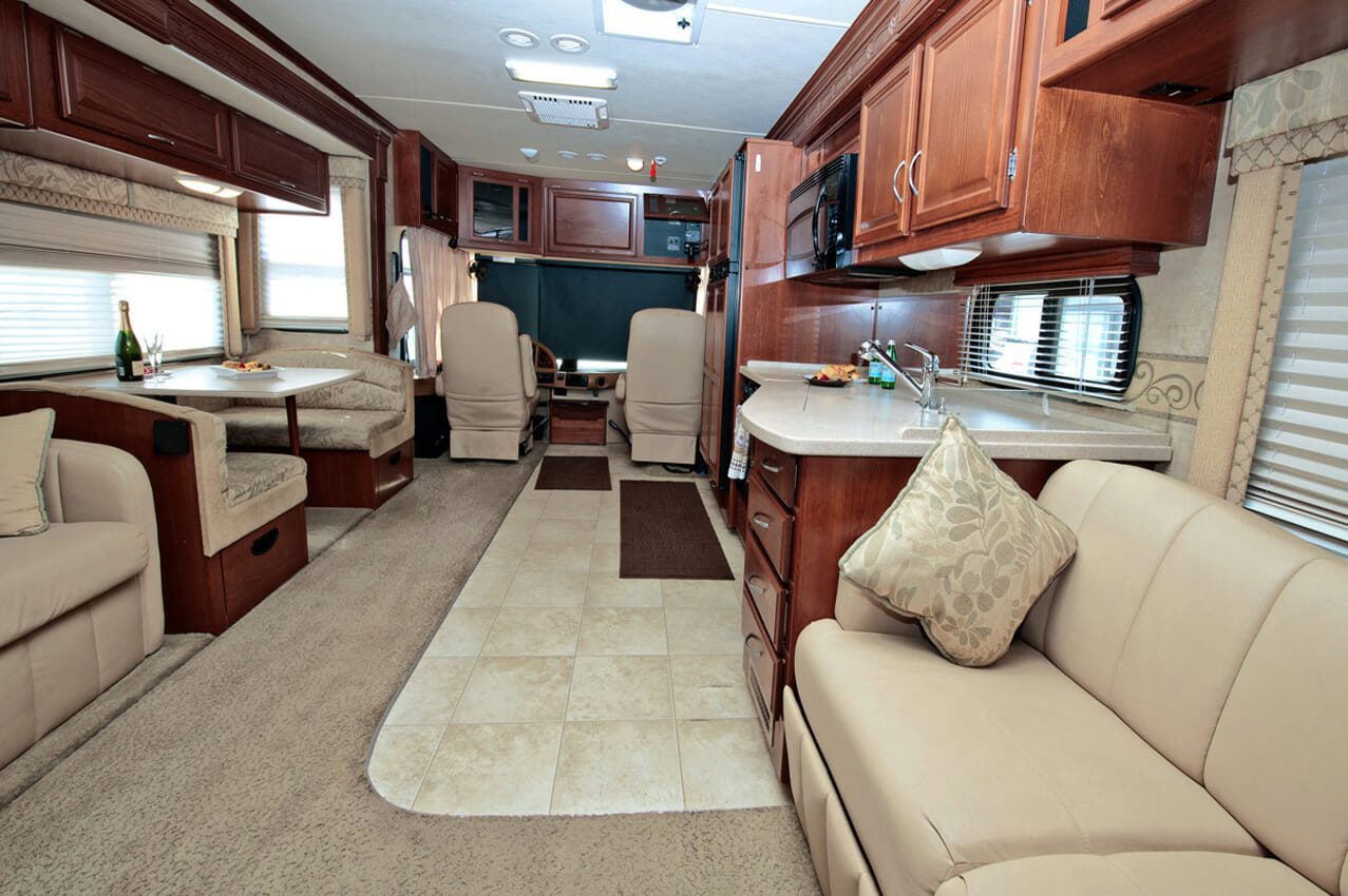 40 Expedition By Fleetwood RV Rental