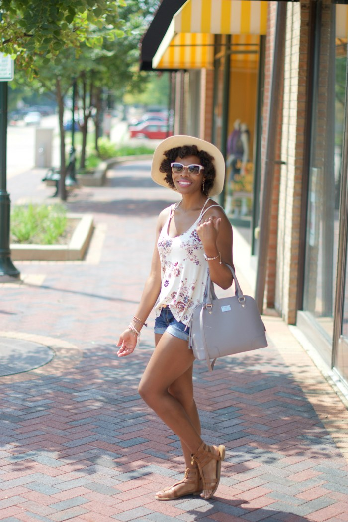 transition-into-fall-style-strappy-floral-cami