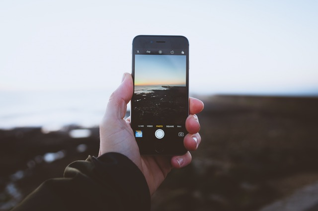 What Are the Best Travel Apps for iPhone?