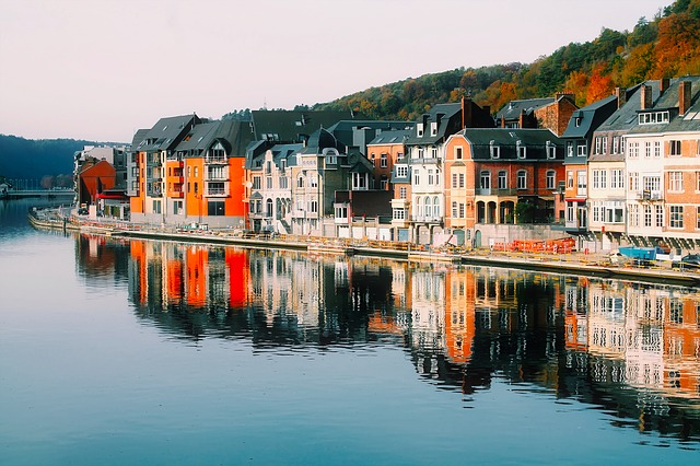10 best places to learn french