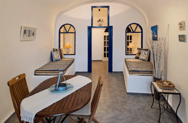 5 jaw dropping places to stay in santorini
