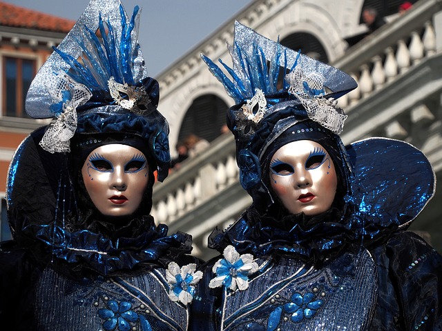 How to Find a Venice Carnival Costume