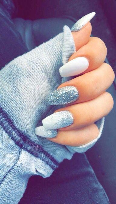 silver glitter ombre white nail art christmas design