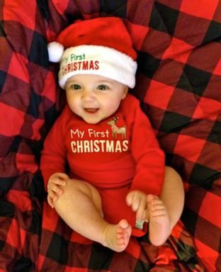 Christmas Baby Photoshoot Ideas At Home