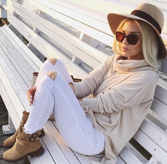 Chic ways to wear white pants in winter, that are not boring