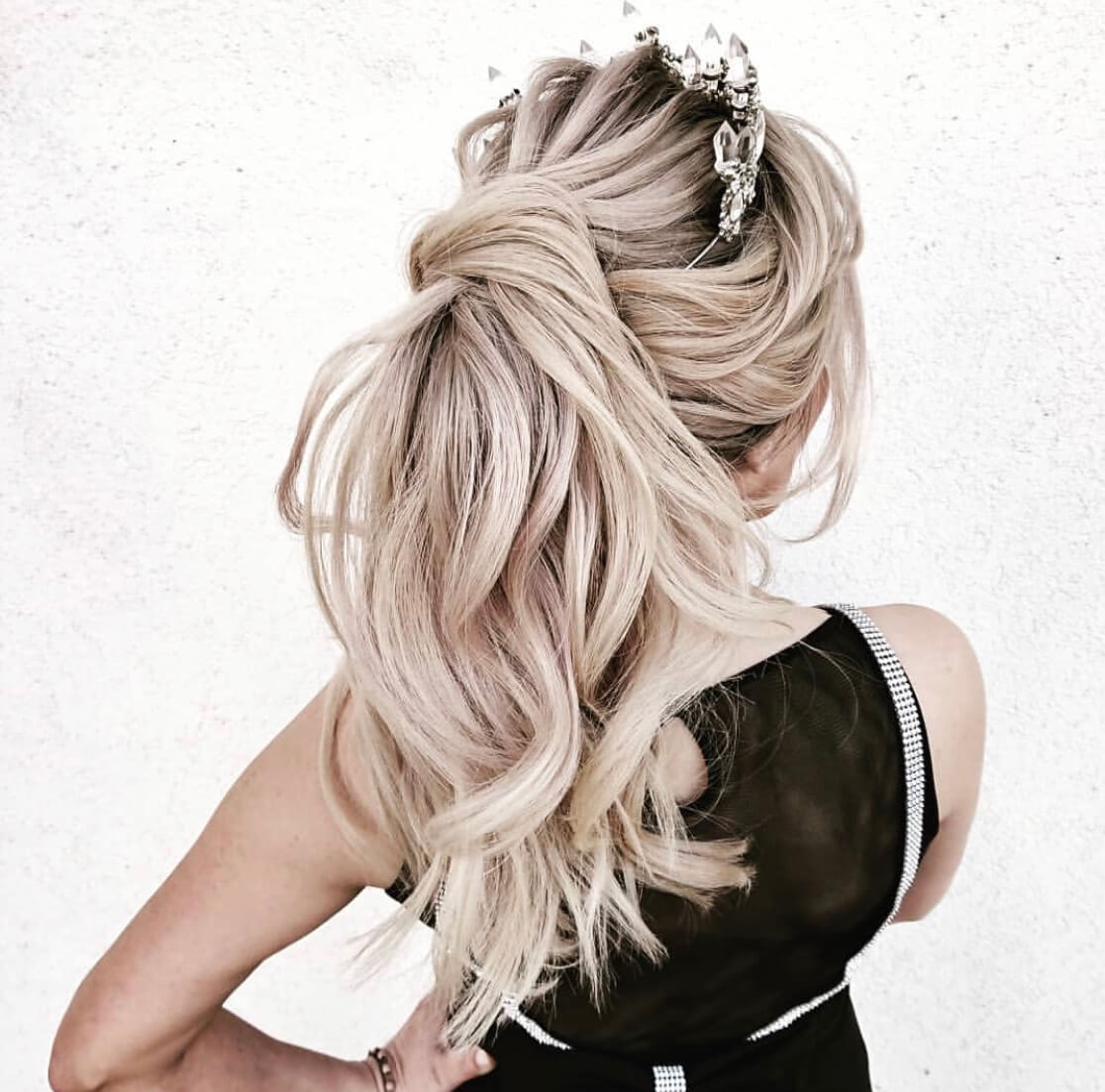 blonde hairstyle party ideas long