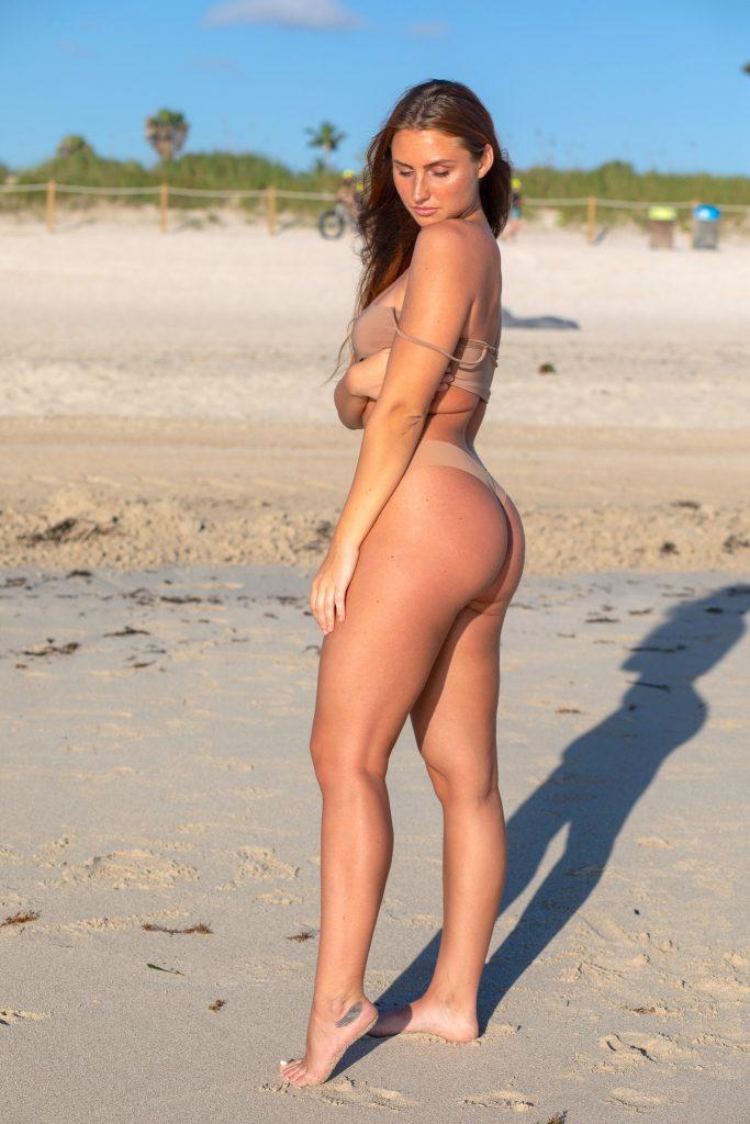 monika beach photoshoot ideas