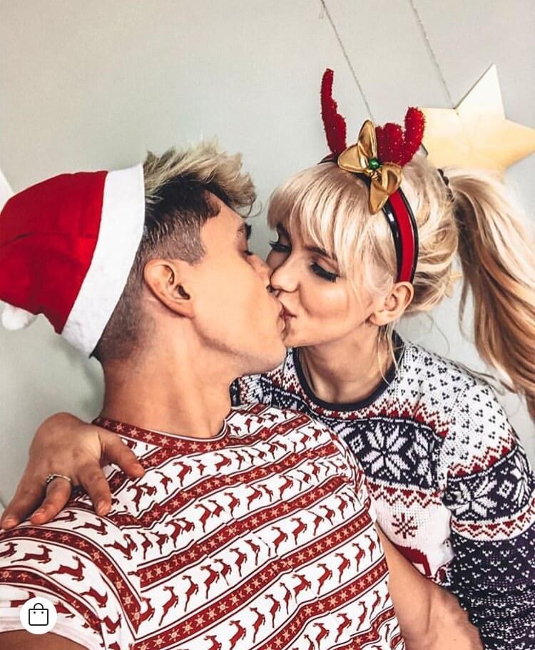 christmas relationship goals photoshoot couple goals 10