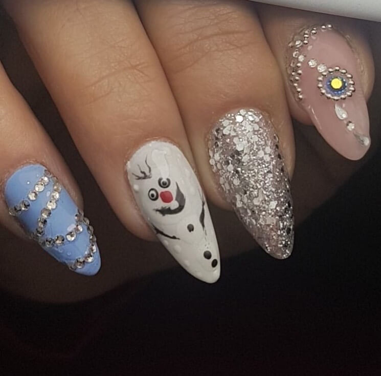 snow nails christmas winter manicure silver glitter