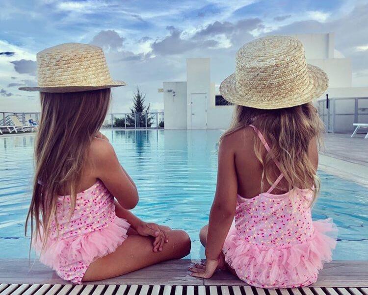 kids allthestufficareabout little blonde twins-2
