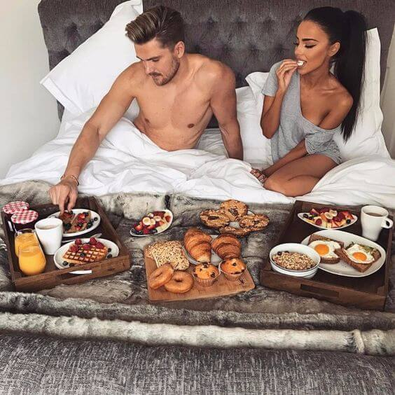 couple goals kitchen photoshoot