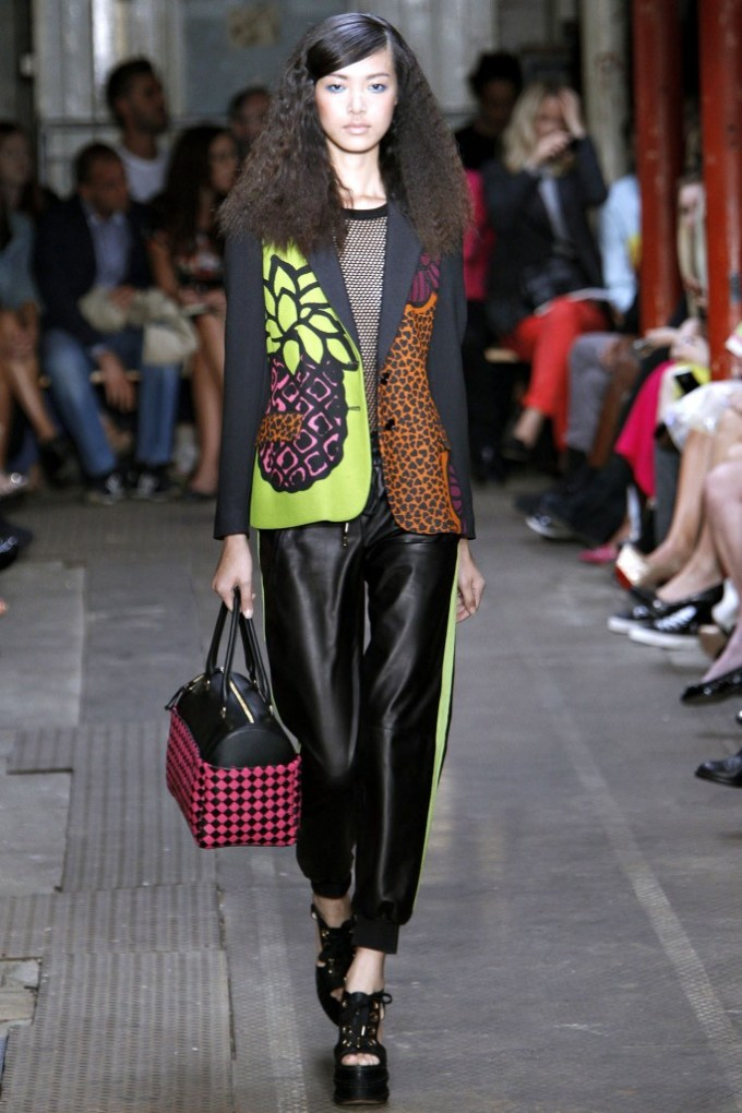 Moschino Cheap and Chic Spring 2013 Ready To Wear 5