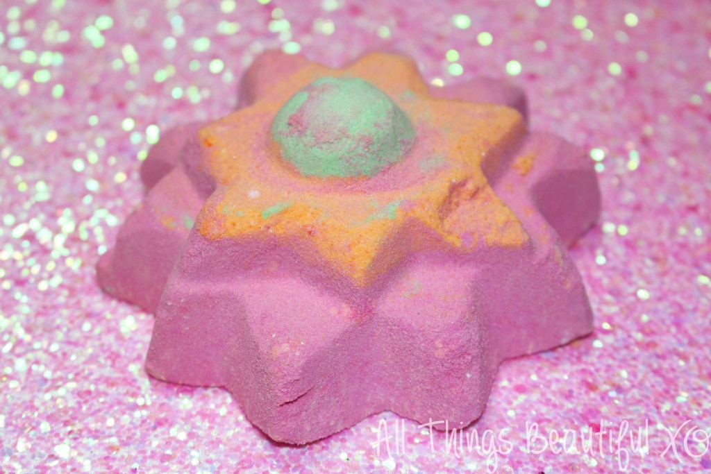 Pamper & Gift Yourself with Sparkling Unicorn Ideas this Valentine's Day! including the LUSH Unicorn Horn Bubble Bar & Floating Flow! Rainbow Valentine's Day Sparklicious Goodness! from All Things Beautiful XO