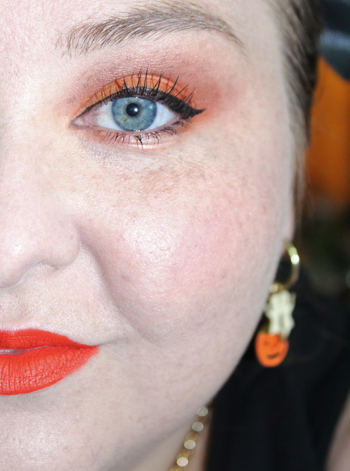Check out my tutorial for this Matte Autumn Orange Eyeshadow Look with the Viseart Dark Matte Eyeshadow Palette on All Things Beautiful XO