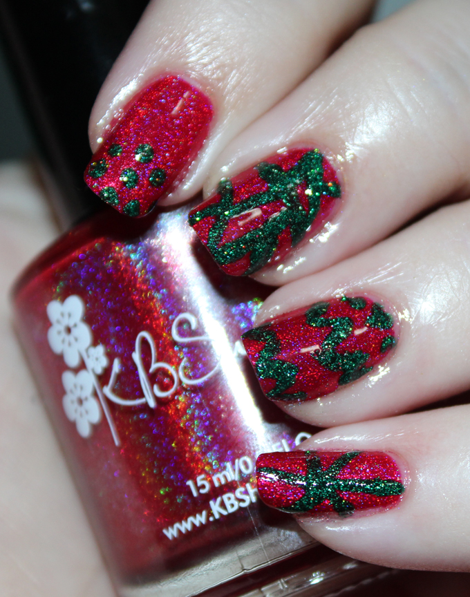 Keep reading to see KBShimmer Nail Polish in Get to the Poinsettia & Spruce Things Up in some random nail art on All Things Beautiful XO