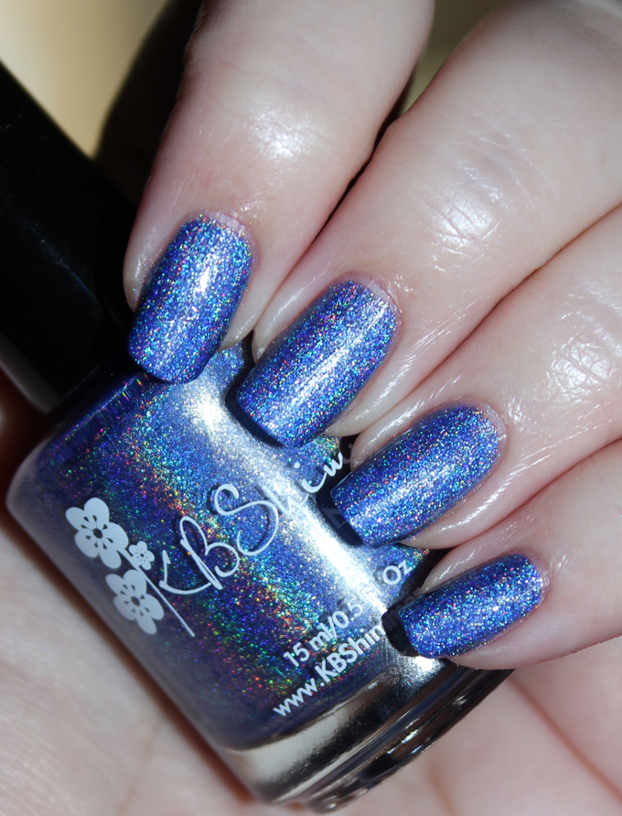 This is KBShimmer Latitude Adjustment KBShimmer Nauti by Nature Collection Swatches & Review including a summer mani shot on All Things Beautiful XO