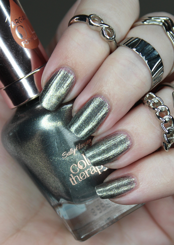 Swatches & review of Sally Hansen Argan Oil Color Therapy Nail Polish in 130 Therapewter on All Things Beautiful XO