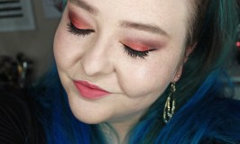 An eyeshadow tutorial using the Urban Decay Afterdark Palette with Scene, Supersonic, & Sinful for a copper look sure to make blue eyes pop on All Things Beautiful XO