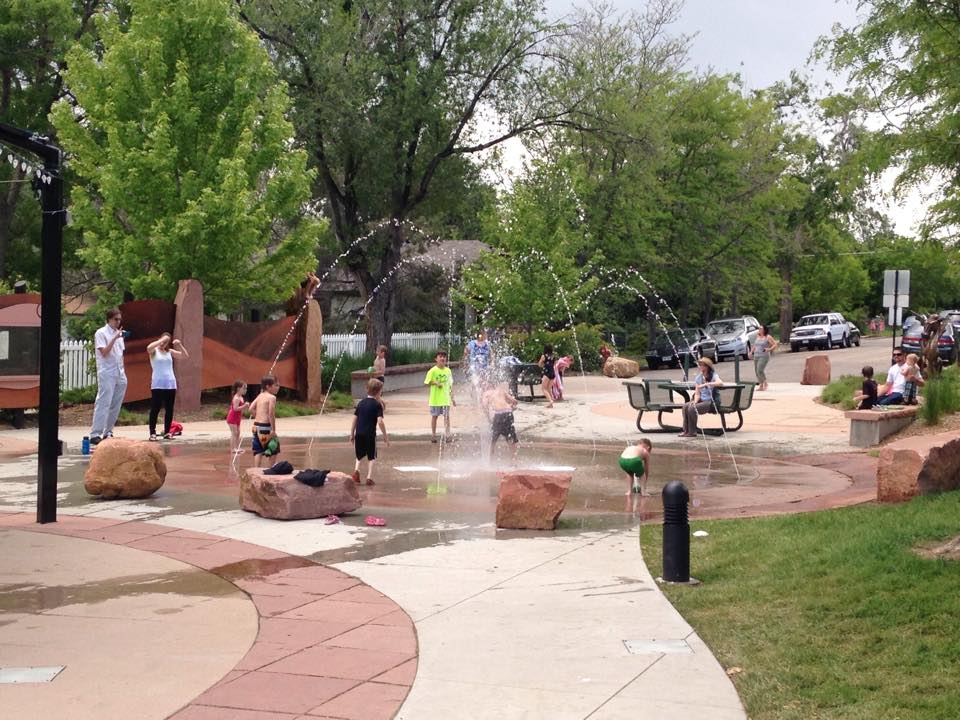 outdoor water play boulder area