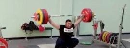 simon-martirosyan-205kg-hang-snatch