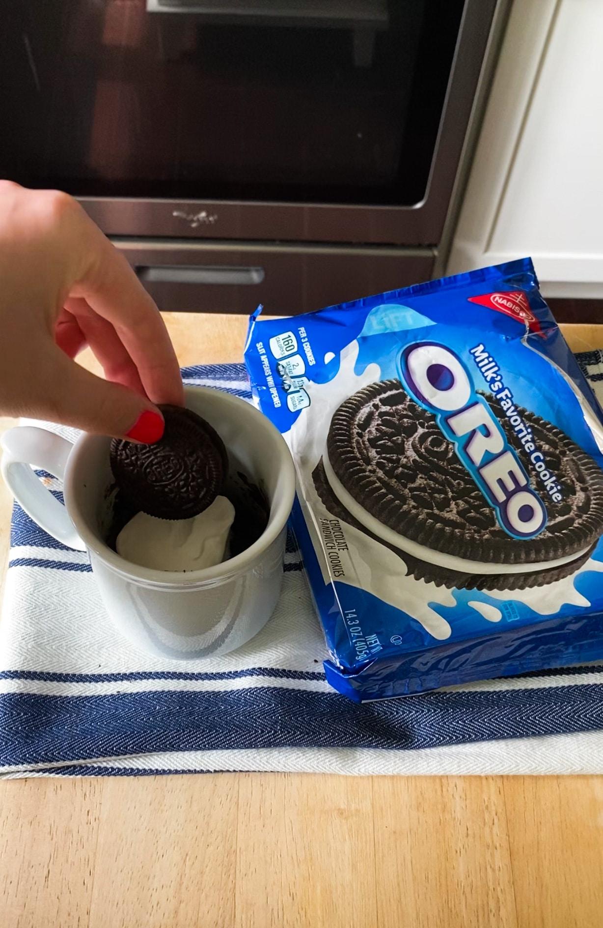 viral oreo mug cake recipe from tiktok