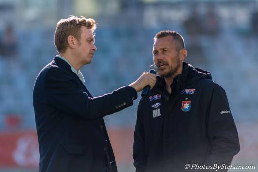 Marcus Lantz blir intervjuad inför match på Gamla Ullevi Foto: Stefan Kroll
